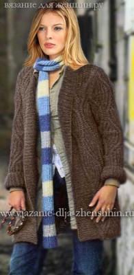Модное вязаное пальто спицами